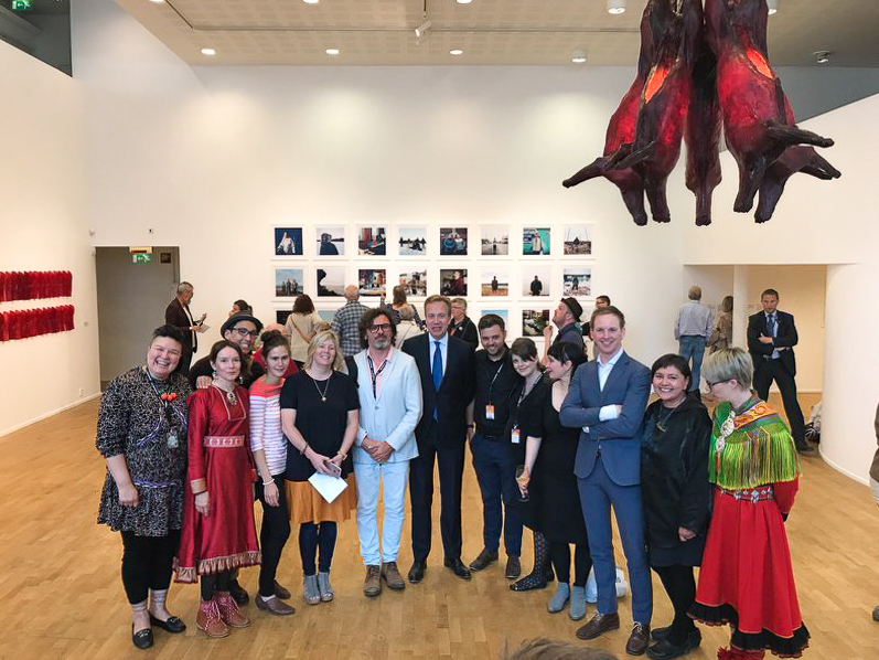 Foreign minister Børge Brende with festival director Maria Utsi and artists and curators of «Subsistence»