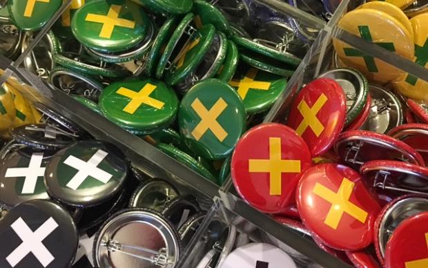 Buttons fra Sami Daiddamusea