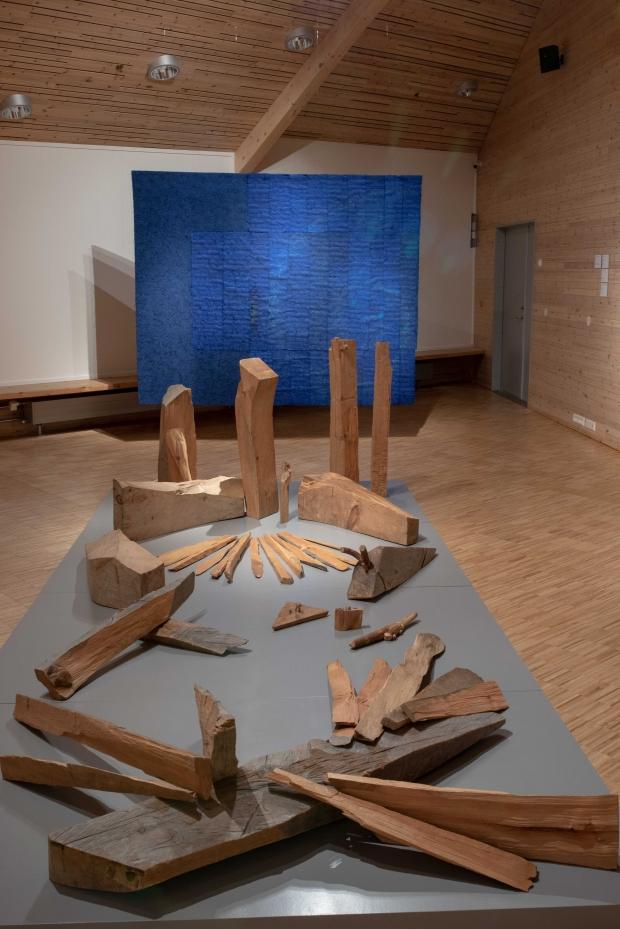 «Fri rekonstruksjon av to installasjoner» av Iver Jåks