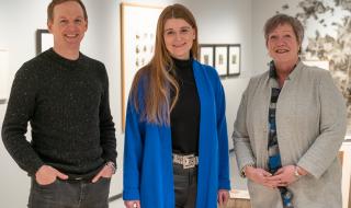 Direktør Jérémie McGowan, ny styreleder Grete Ellingsen og ny nestleder Anni Skogman