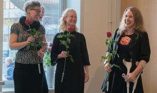 Utstillingens tre kuratorer; Kristin Løvås, Lise Dahl og Charis Gullickson